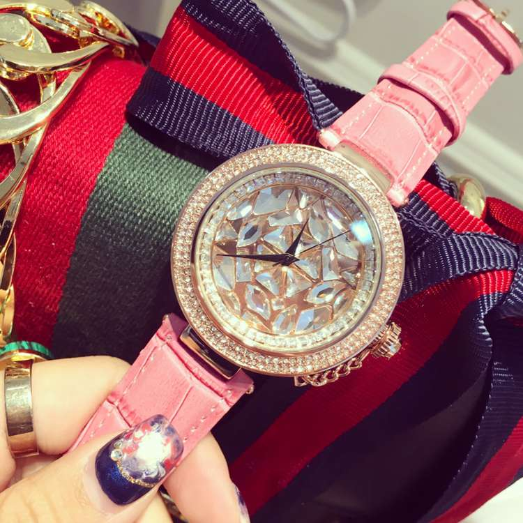 Подробнее о 2017 Luxury Ladies Fashion Quartz Watch Women Rhinestone Shining Dress Rose Gold Crystal Wristwatch Reloje Mujer Montre Femme luxury ladies fashion rhinestone leather dress quartz watch women rose gold crystal dial wristwatch reloje mujer montre femme