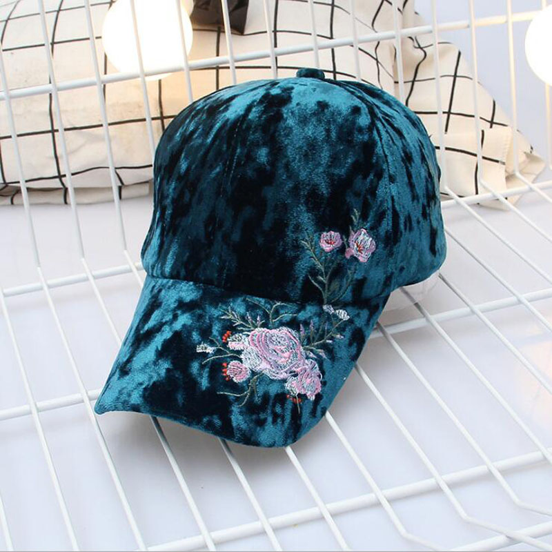 New Women Velvet Baseball Cap Mens Casquette Bone cap Fashion Snapback  Balls cap Hip Hop Flat Hat Women Gorras Adjustable hats-in Baseball Caps  from Apparel ... a1567899ae9e