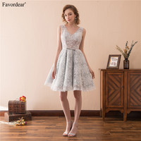 Favordear 2018 New Fashion Silver Grey Lace Short Graduation Dresses Double V Neck Lace Homecoming Dresses