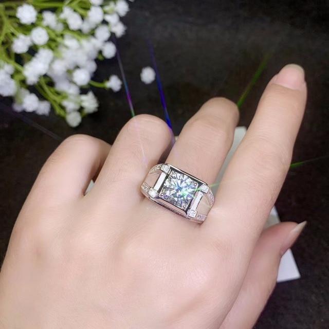 モアッサナイト男性のリング、 925 シルバー、美しい Firecolour 、ダイヤモンド代替