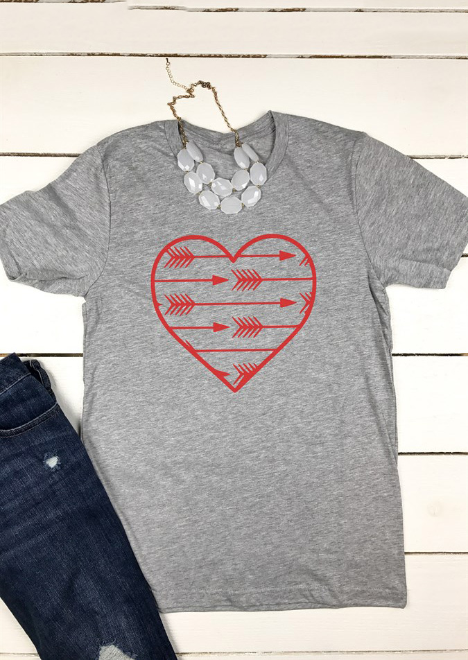 """RAF Red Arrows  2019 Season Ladies T Shirt   /""""Heart/""""officially licensed product"""