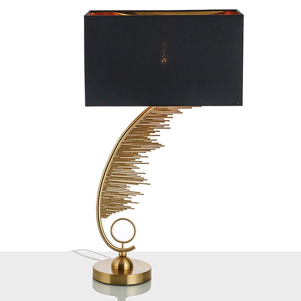 Led e27 Postmoderna Ferro Tessuto Lampada A LED. Luce A LED. Light Table. Table Lamp. Desk Lamp. Lampada Da Tavolo A LED Per La Camera Da Letto Ufficio