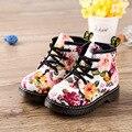 2016 Meninas novas moda inverno botas martin Floral Da Cópia Da Flor Crianças Sapatos Das Meninas Bonitos Do Bebê Crianças Botas de Couro Botas Casuais