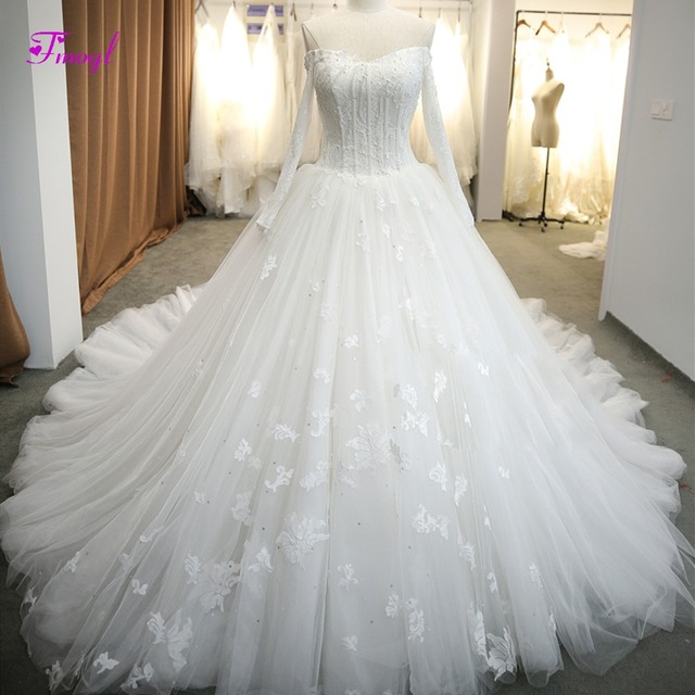 Fmogl Gorgeous Appliques Royal Train Pearls A-Line Wedding Dress 2018 Sexy V -neck Lace Long Sleeve Bridal Gown Vestido de Noiva a4518aede019