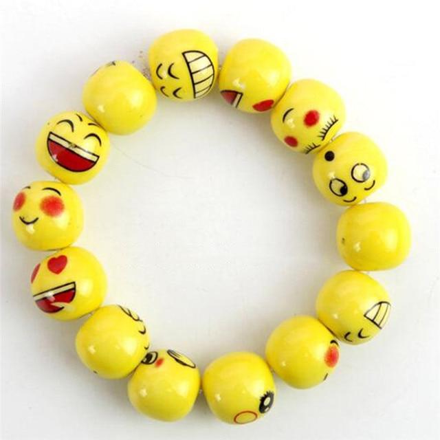 845fdb18663 Bonito Dos Desenhos Animados Emoji Frisado Pulseira Humor Emoções Crianças  Pulseira de Cerâmica Beads Estiramento Crianças