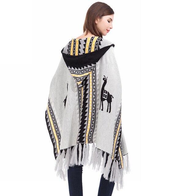 Patrón de la Geometría de la tribu Poncho Con Capucha Mujeres Capa ...