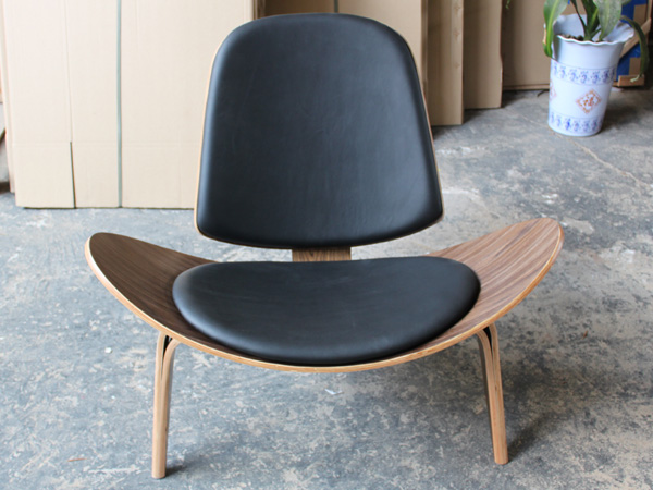 plywood Hans J Wegner Shell chair Hans J. Wegner CH07 Shell Chair by Carl Hansen & Son