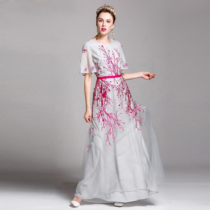 Kadın Giyim'ten Elbiseler'de Yüksek Kalite 2017 Bahar Yeni Maxi Elbise kadın zarif sanat Çiçek nakış Kat Uzunluk Parti uzun elbise'da  Grup 1
