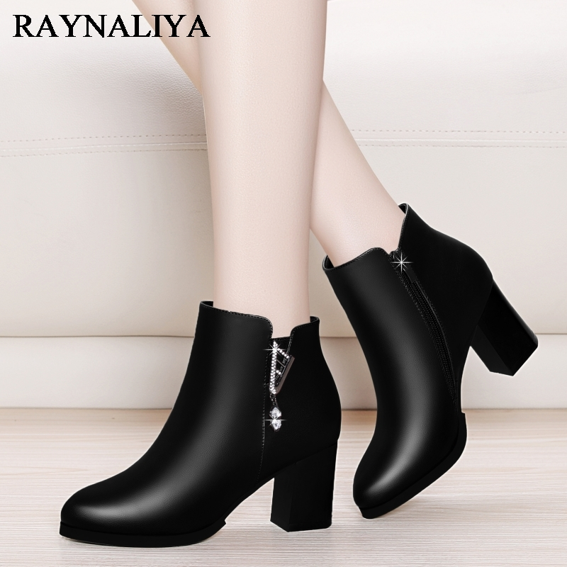 Women Winter Boots New Arrival Genuine Leather Fashion Boots Short Plush Warm Ankle Boots Ladies Casual High Heel Shoes YG-A0030 camel winter women boots 2015 new shoes retro elegance sheepskin fashion casual ladies boots warm women s boots a53827612
