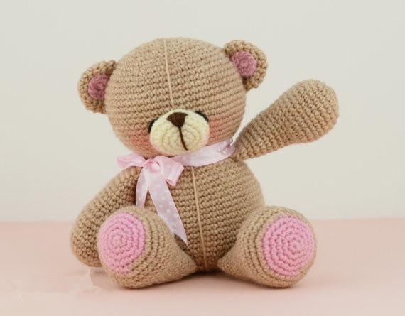 Crochet amour fille ours hochet jouet et poupée