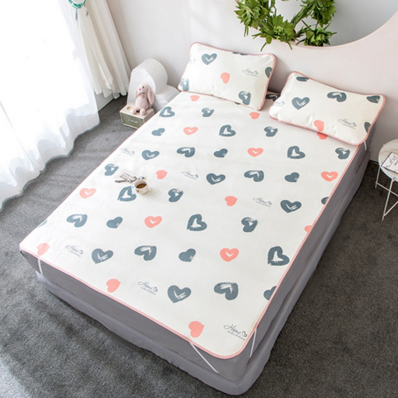 2019 Ice Silk Seat Three-Piece Set 180X200cm Summer Cool Ice Silk Bed Supplies Set-Mat Mattress Topper Pad With 2 Pillow Covers2019 Ice Silk Seat Three-Piece Set 180X200cm Summer Cool Ice Silk Bed Supplies Set-Mat Mattress Topper Pad With 2 Pillow Covers