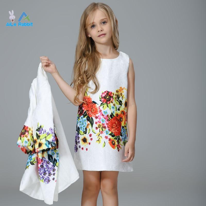 3f4fbe6b05e 2018 Комплекты одежды для девочек Фирменная Новинка с принтом граффити для  девочек верхняя одежда + платье для детей большой Для девочек от 3 д.
