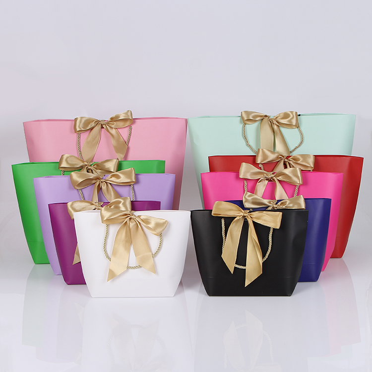 2018 new arrival wedding gift bags packaging box with ribbon multi sizes favors bag paper gift bag for candy cookies tablewares