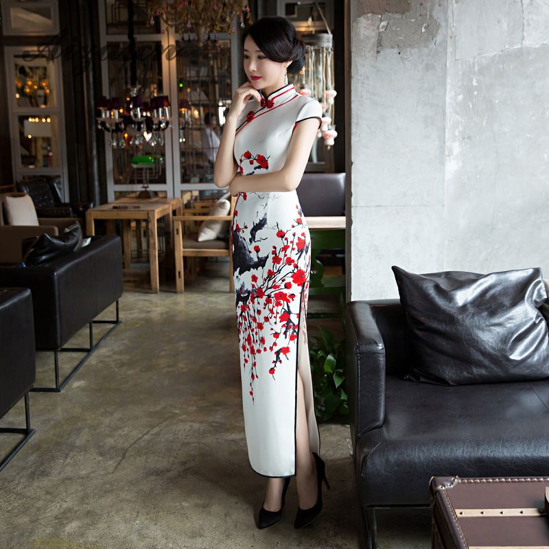 Impression fleur rouge Cheongsam blanc Long Qipao femmes chinois robe traditionnelle Style Oriental robes chine magasin de vêtements