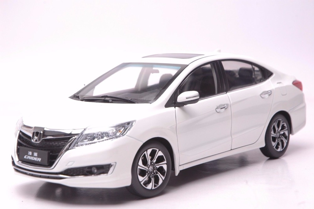 1:18 Diecast Model for Honda Crider 2016 White Sedan Alloy Toy Car Miniature Collection Gifts CRV CR V 1 18 scale diecast model car for toyota camry 2015 black alloy toy car collection crv cr v