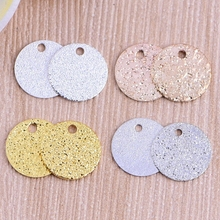1pc 10mm frosted round hanging tablets clothing hot scales scales diy jewelry accessories plating disc pendant wholesale