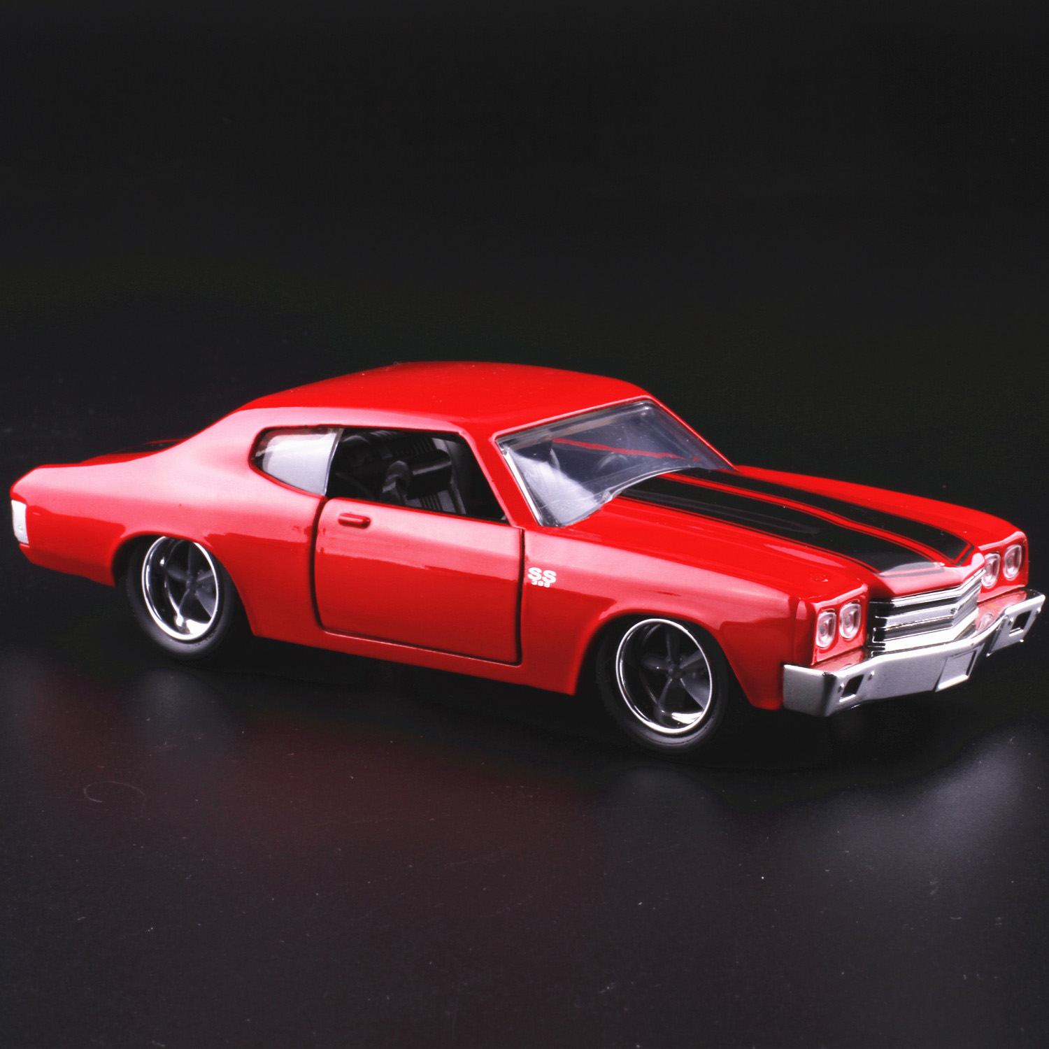 JADA 1:32 scale High simulation alloy model carChevrolet SS1970 classic car,2 open door,quality toy models,free shipping jada