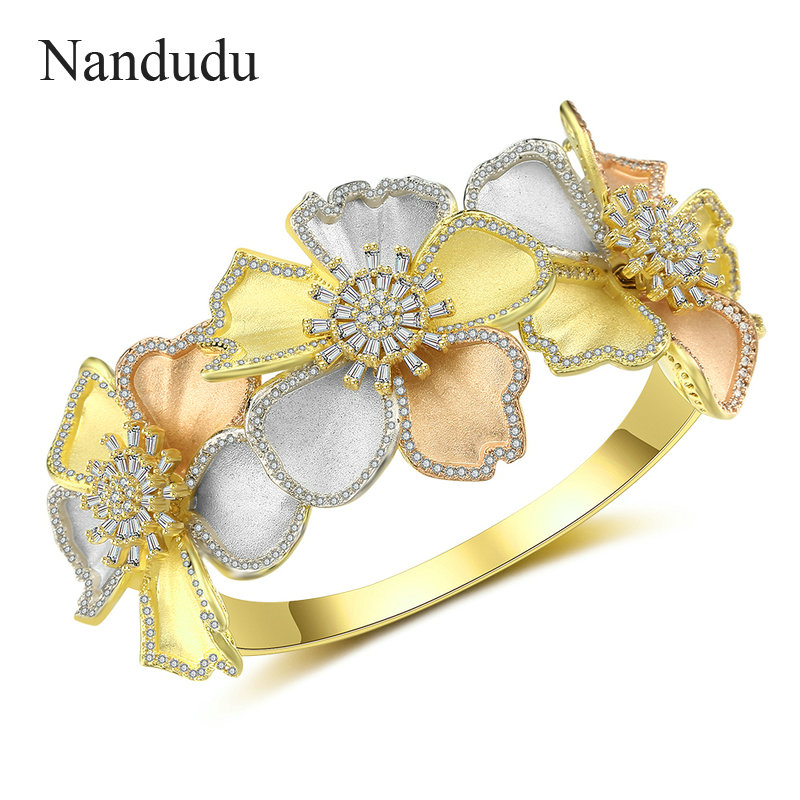 Nandudu New Brass 3 Tones Exquisite Bangle Jewelry Flower Shape American Wedding Party Accessories AAA Cubic Zirconia B1130 floral chiffon dress long sleeve