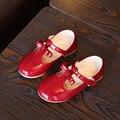 Meninas shoes 2017 crianças primavera couro japanned shoes crianças red bow princesa shoes crianças moda plana banquete shoes branco
