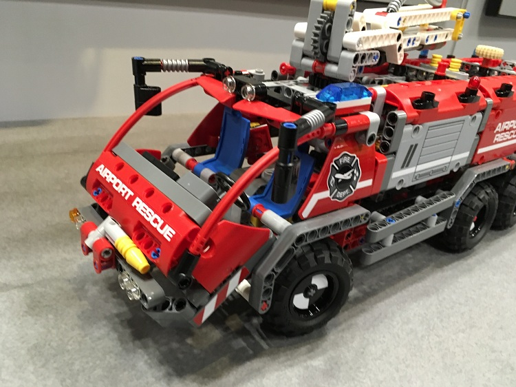Hot Technican Technics Airport Fire Rescue Vehicle 2in1 Lepins Building Block Model Truck Trailer Bricks Toy Collection for Kids technican technic 2 4ghz radio remote control flatbed trailer moc building block truck model brick educational rc toy with light