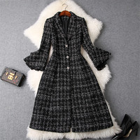 High End Designers Winter Tweed Woolen Jackets and Coats Women 2018 Fashion New Flare Sleeve Long Plaid Wool Overcoat Outerwear