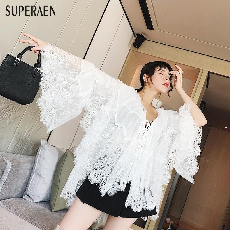 SuperAen 2018 New Women's Spring Shirts Korean Style Loose Fashion Flare Sleeve Lace Ladies Blouse Wild Korean Style Women Tops