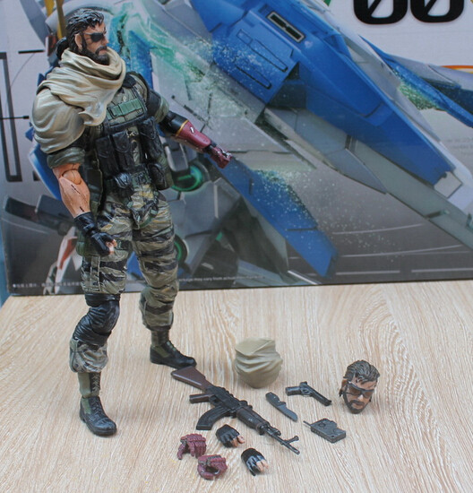 METAL GEAR SOLID Action Figure Playarts Kai SOLID SNAKE Model Toy Play Arts Kai Snake Figure Playarts Kai METAL GEAR SOLID PA37 metal gear solid v the phantom pain play arts flaming man action figure super hero