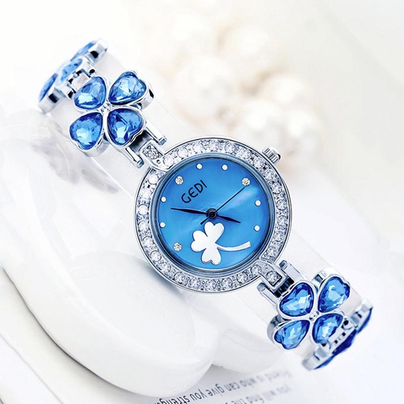 Prix pour Montre Femmes De Luxe Célèbre Marque Lucky Clover Femme Montre-Bracelet Étanche de Qualité Supérieure Bracelet Montres Dames Montre