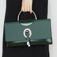 Тенденции моды Нежный железный кольцо украшения большая емкость из натуральной кожи цепи мешок открытие магнитного пряжки женские сумки