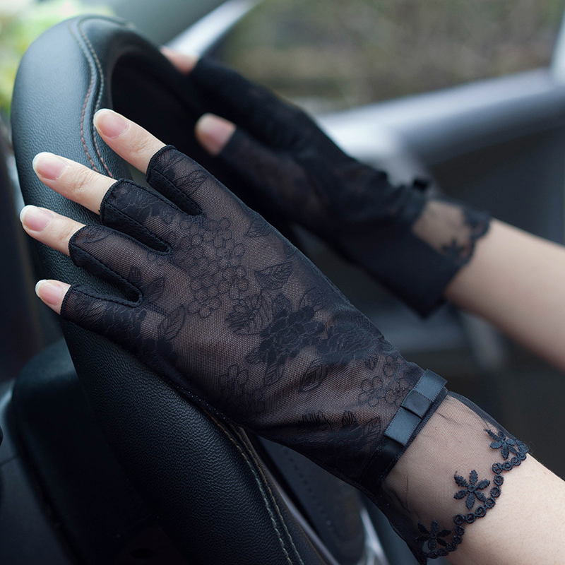 Semi-Finger Lace Sunscreen Gloves Female Summer Ice Silk Half Fingers Anti-Slip Driving Thin Anti-UV Fashion Women Mittens TB54