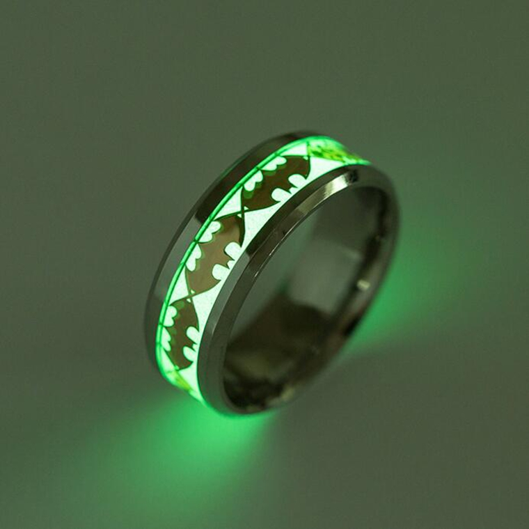 Batman luminous glow in the dark ring comicstoy for Glow in the dark wedding rings