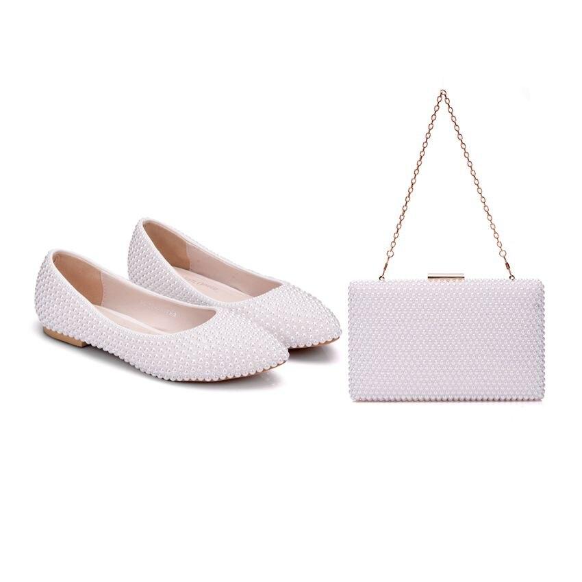 Crystal Queen femmes chaussures dame perle blanc chaussures de mariage plat confortable mariée avec des sacs assortis avec des chaussures de robe de sac à main