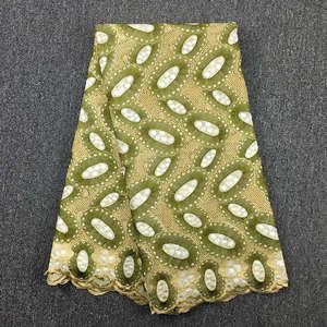 Image 2 - Yüksek kaliteli İsviçre vual dantel ordu yeşil zeytin 2019 son afrika dantel pamuk dantel kumaş düğün elbisesi 5 metre 062