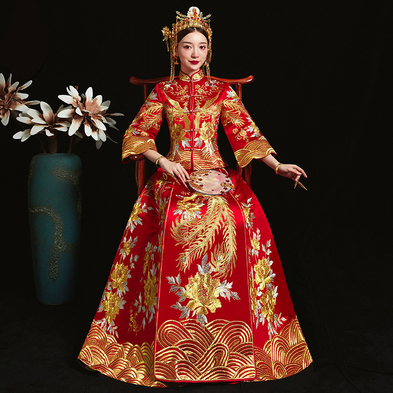 Red formal dress royal wedding cheongsam style costume bride vintage Chinese traditional embroidery phoenix Tang suit