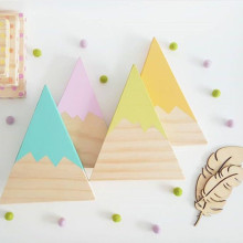 Wooden Mountain Decoration