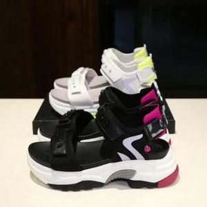 Image 5 - Сандалии женские из микрофибры, мягкие босоножки, Нескользящие, дышащие, толстая подошва, Повседневная модная спортивная обувь, лето