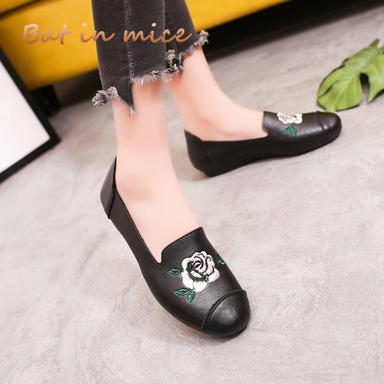 2018 Spring summer cozy Women Flat Soft sole Shoes PU leather Women Loafers mother Casual shoes women Flowers Mujer zapatos S054 chinese women flats shoes flowers casual embroidery soft sole cloth dance ballet flat shoes woman breathable zapatos mujer