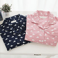 Nueva llegada de las mujeres conjuntos de pijamas de Algodón material de color caramelo dulce lindo delfines impreso dulce de pareja