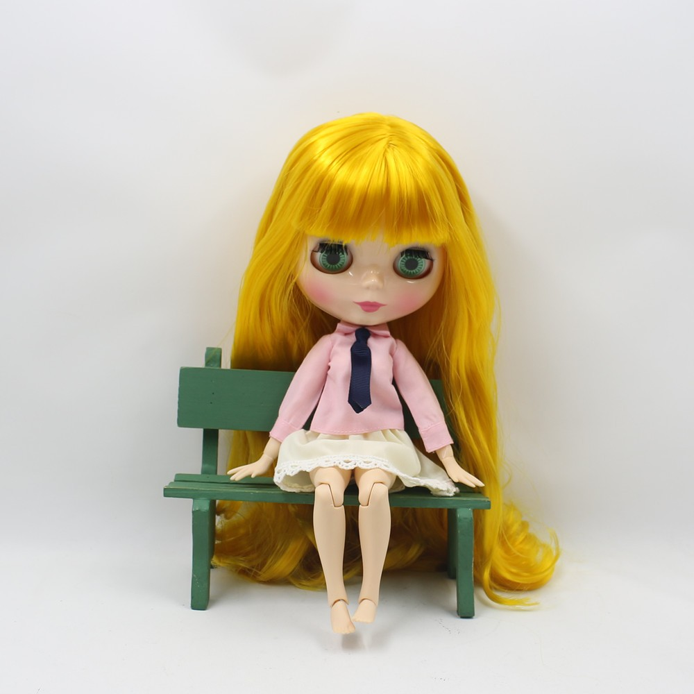 Neo Blythe Doll with Yellow Hair, White Skin, Shiny Face & Jointed Body 1