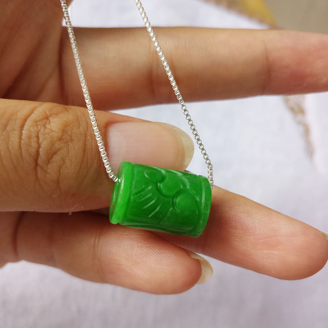 Yu Xin Yuan Fine Jewelry Natural Stem Green Jade Transport Bead Pendan