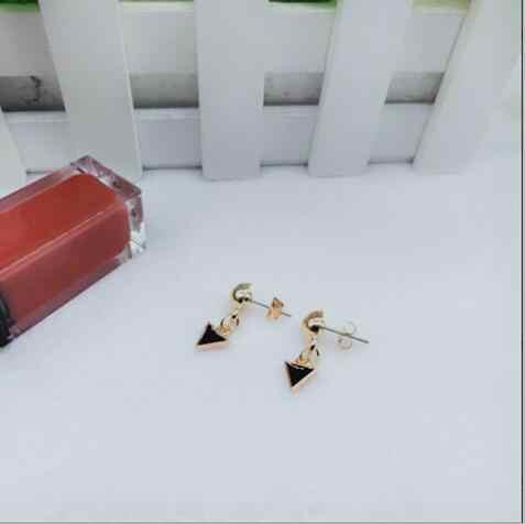 Simple y elegante triángulo flash aceite pendientes incrustados joyería femenina 2019 nueva personalidad salvaje fábrica de moda