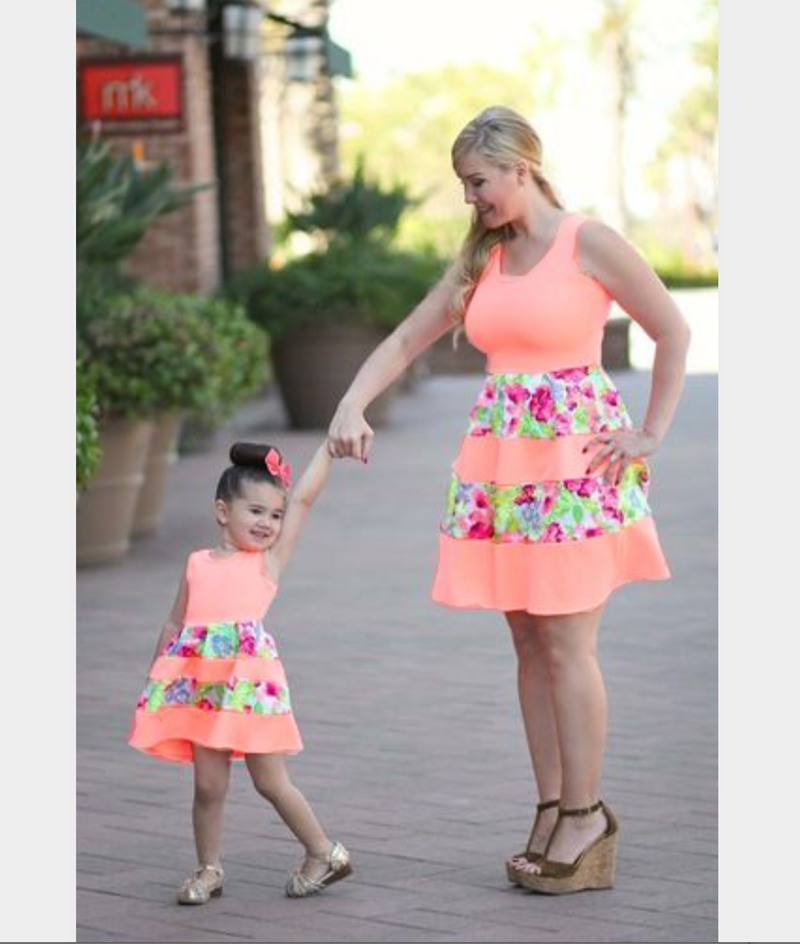 mother and daughter pink floral dresses 2018 family