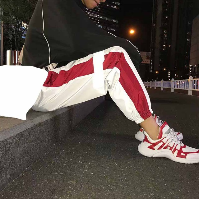 Outdoor 2019 summer autumn loose joggers sport style gym running Reflective elastic hip hop teenagers track pants men 2