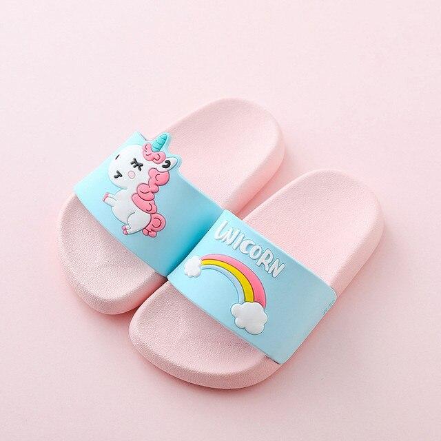 Unicorn Pantofole Per Il Ragazzo Della Ragazza Del Fumetto Arcobaleno Scarpe 2019 di Estate Todder di Vibrazione di Cadute di Pistoni Pistoni Della Spiaggia di Nuoto Del Bambino Coperta Pantofola 5