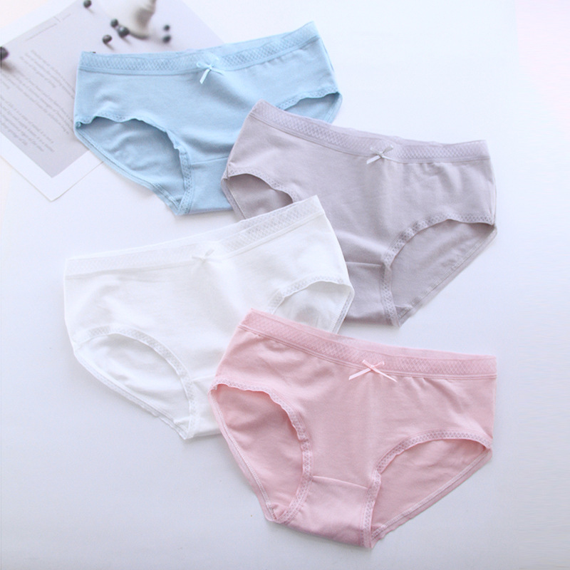 New 4pcs Teenage Underpants Seamless Underwear Young Girl Briefs Comfortable Cotton Panties Kids Underwear 981