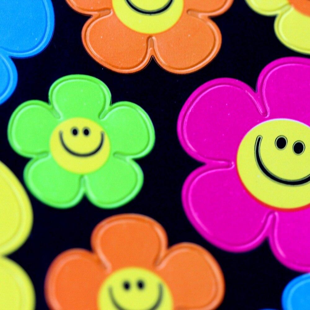 136pcs/Pack High Quality 5 Color Reward Children Kids Cute Smiley Flower Faces Emoji Teacher * Stickers New Design Toy Wholesale