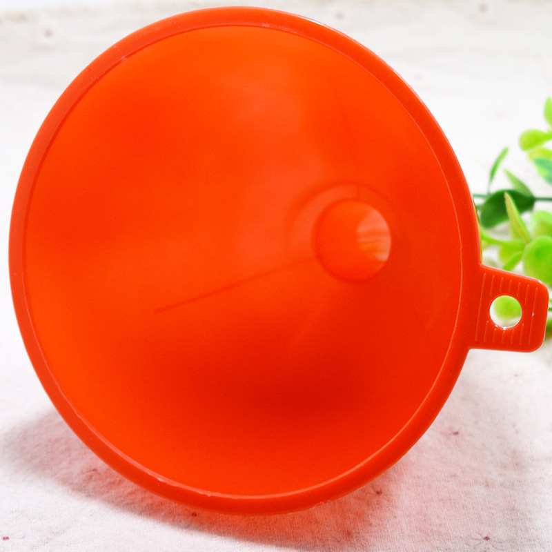 1 PCS KECTTIO High Quality Oil Funnel Medium Size Water Funnel Plastic Liquid Funnel  13.5*3 Household Supplies Free Shipping
