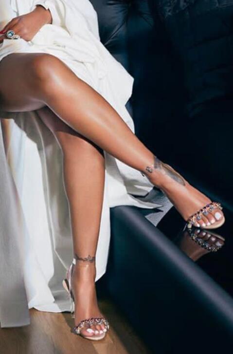 Transparente as Correas Picture Súper As Picture De Señoras Sandalias Mezclados Rhinestone Verano Pvc 2018 Talón Moda Rihanna Hot Cristalinas Colores Del qAwPPH