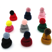 100PCS/Lot Mix 9 Colors Lovely Pompon Mini Wool Hat Nip Brooch Pins Badge Brosche Cute Small Cap Corsage Pins Broche Broohe(China)
