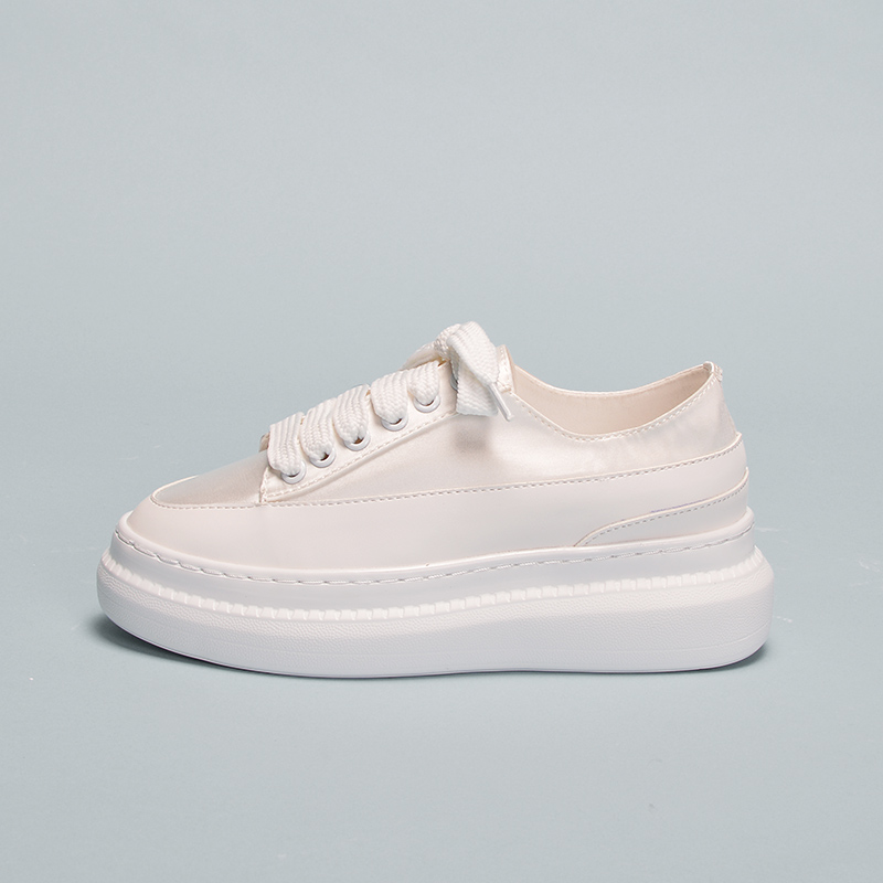 Das mulheres Sapatos 2019 primavera novo Espanhol minoria estudante Coringa fundo grosso aumentar sneakers board sapatos off white Yasilaiya